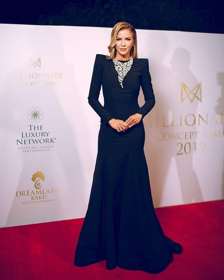 Hakan Akkaya Sur Instagram Ivana Sert In Hakanakkaya Ivanasert In 2020 Dresses Formal Dresses Long Formal Dresses