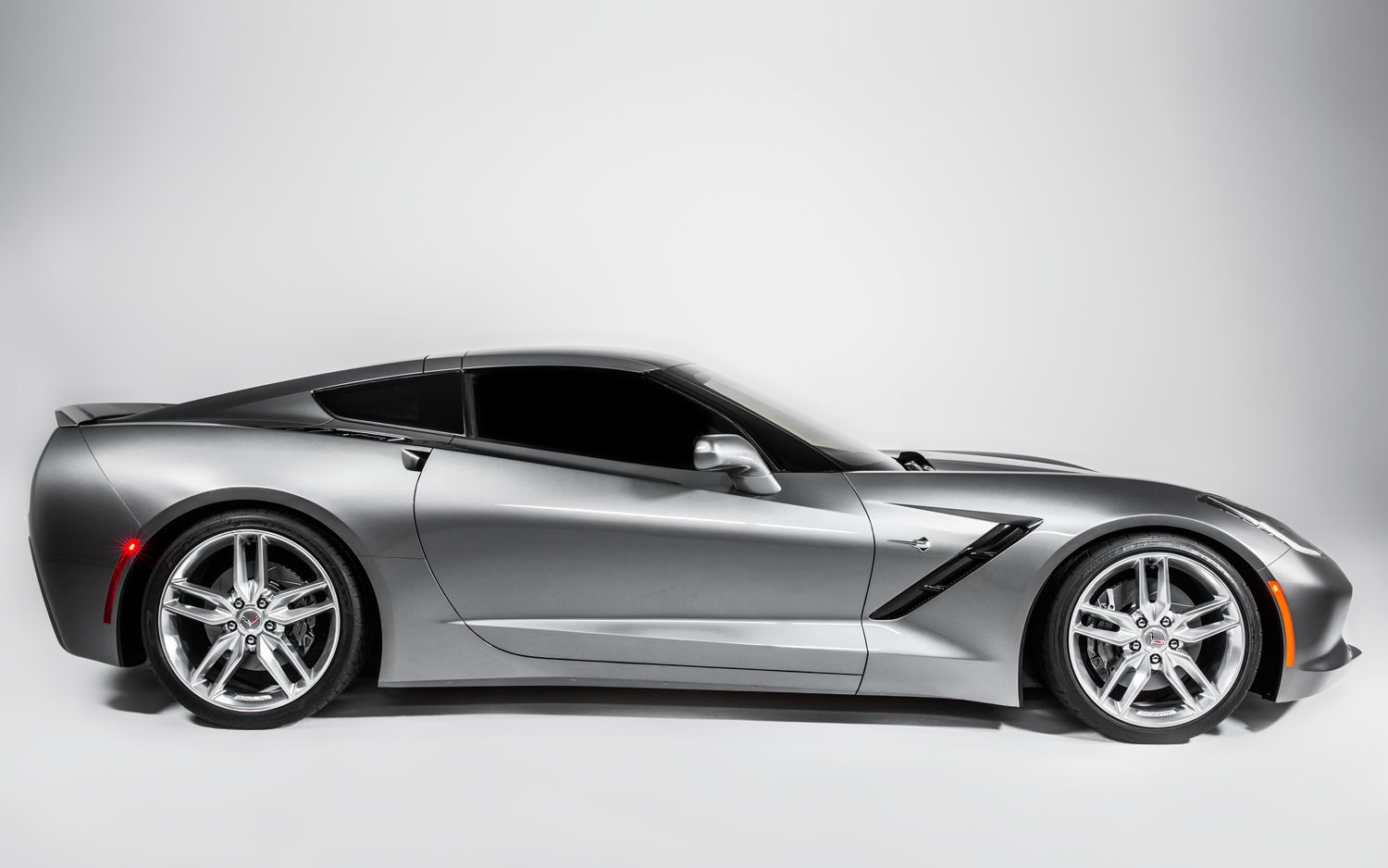 2014 Chevrolet Corvette Right Side View Photo On January 14 2013