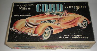 PYRO-1937-Cord-Convertible-Classic-Plastic-Model-Car-Vintage-229