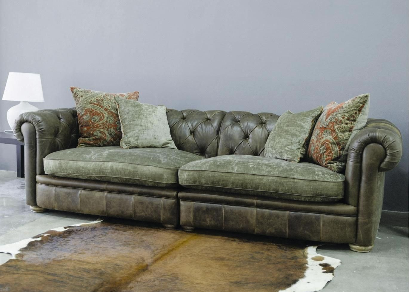 572 Reclining Sectional Sofa With Chaise By Franklin Chesterfield Leather Sofas In