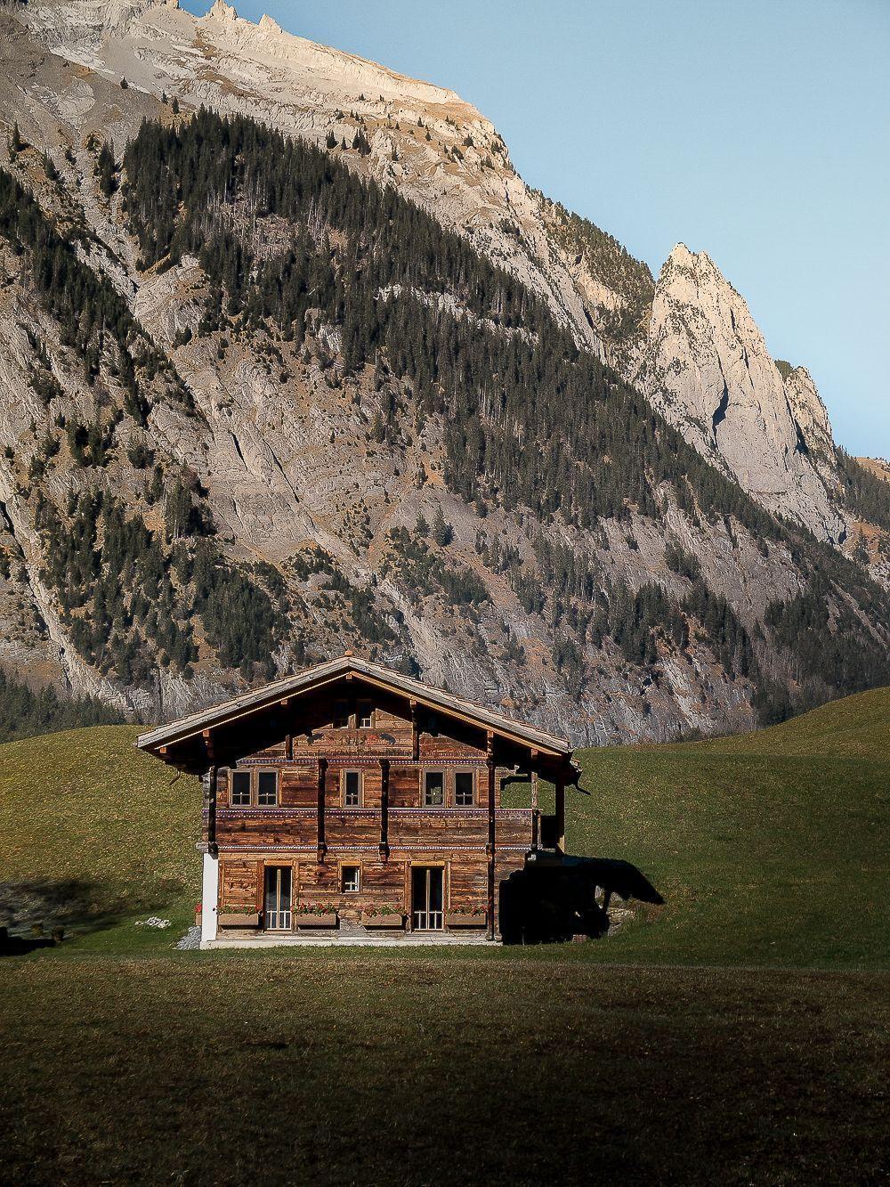 A Beautiful Cabin In Switzerland Mountainhomes La Serendipite Sur Instagram Mountain House Plans Tiny House Plans Small Cottages Beautiful Cabins