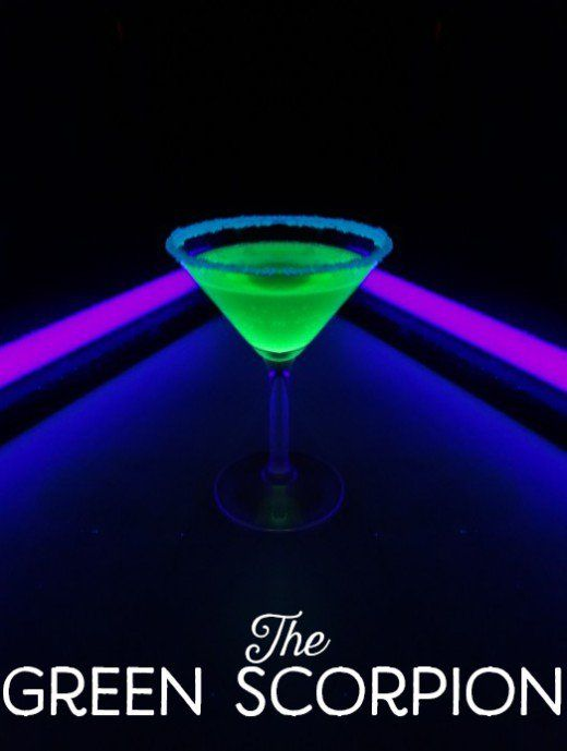 How to Make Drinks That Glow in the Dark | Pinterest | Blue food ...