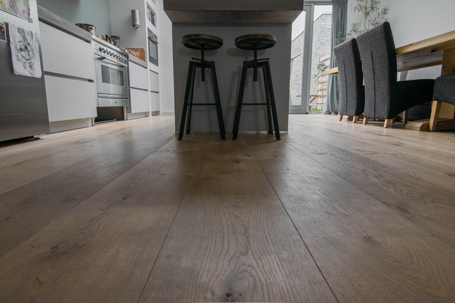 Deze houten vloer is van de hoogste kwaliteit europees eiken de