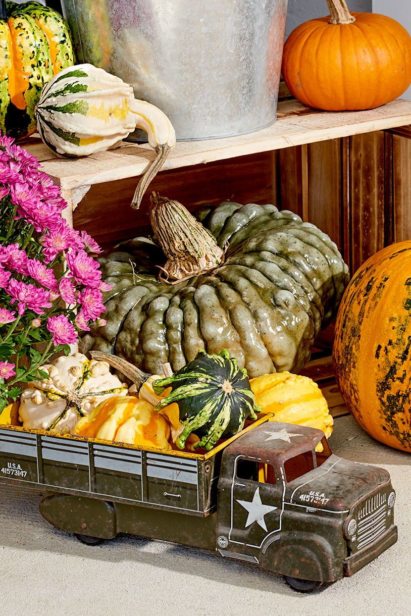 36 Pretty Fall Front Entry Ideas You Can Keep Up All Season Long Fall Front Porch Decor Pumpkin Display Outdoor Pumpkin Decorations