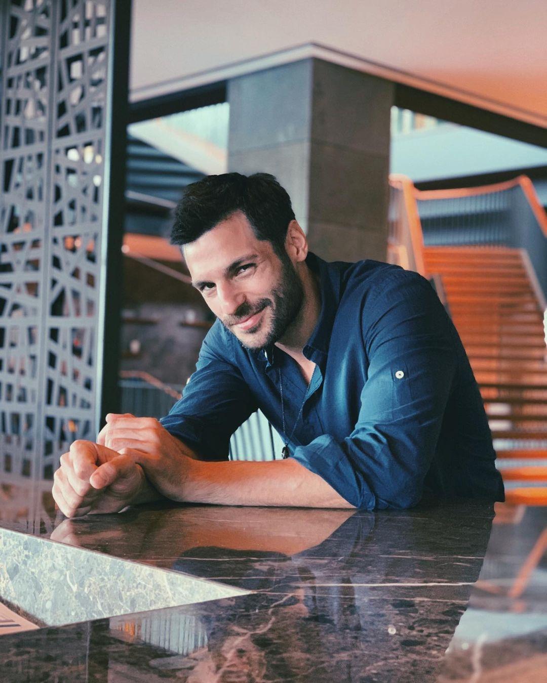 Serkan Cayoglu Serkancayoglu Instagram Photos And Videos Actores Hombre Perfecto Hombres Guapos