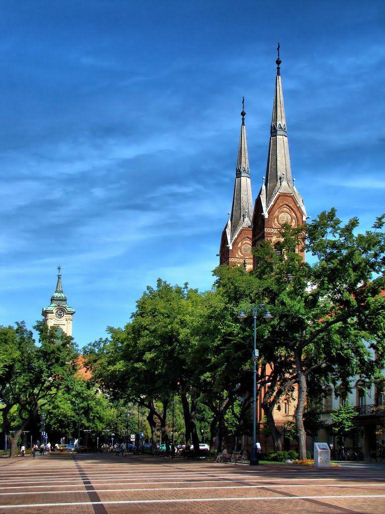 2014.08. - Békéscsaba, the St. Anthony of Padua Catholic big church and the background the Evangelical Great church - Békéscsaba  Hungary