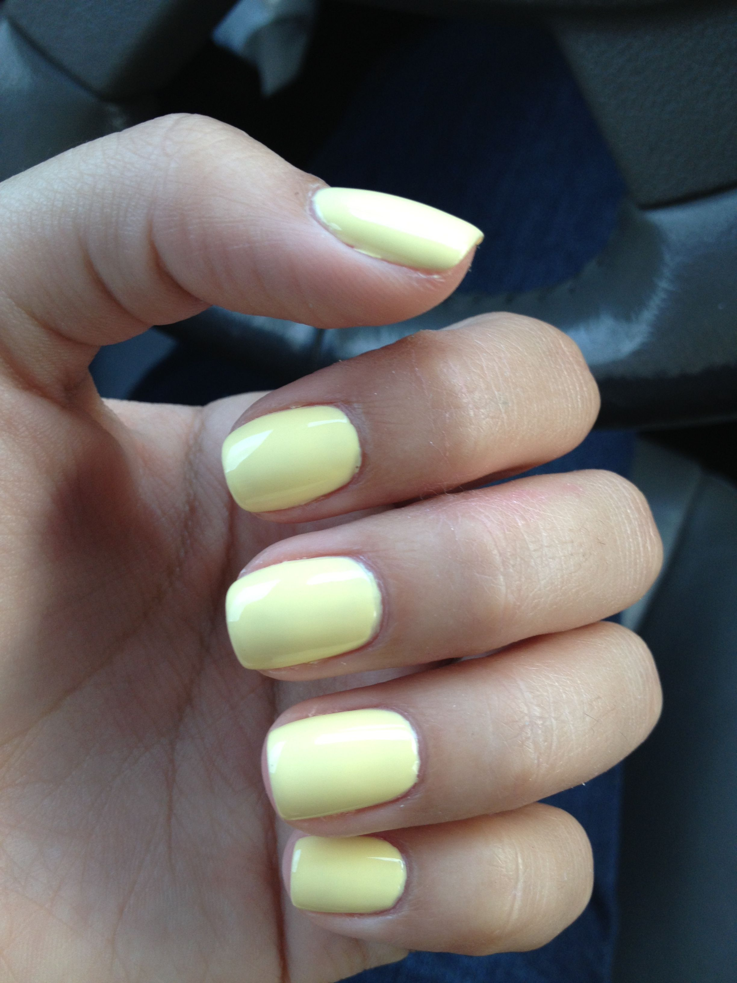 pastel yellow nails for summer