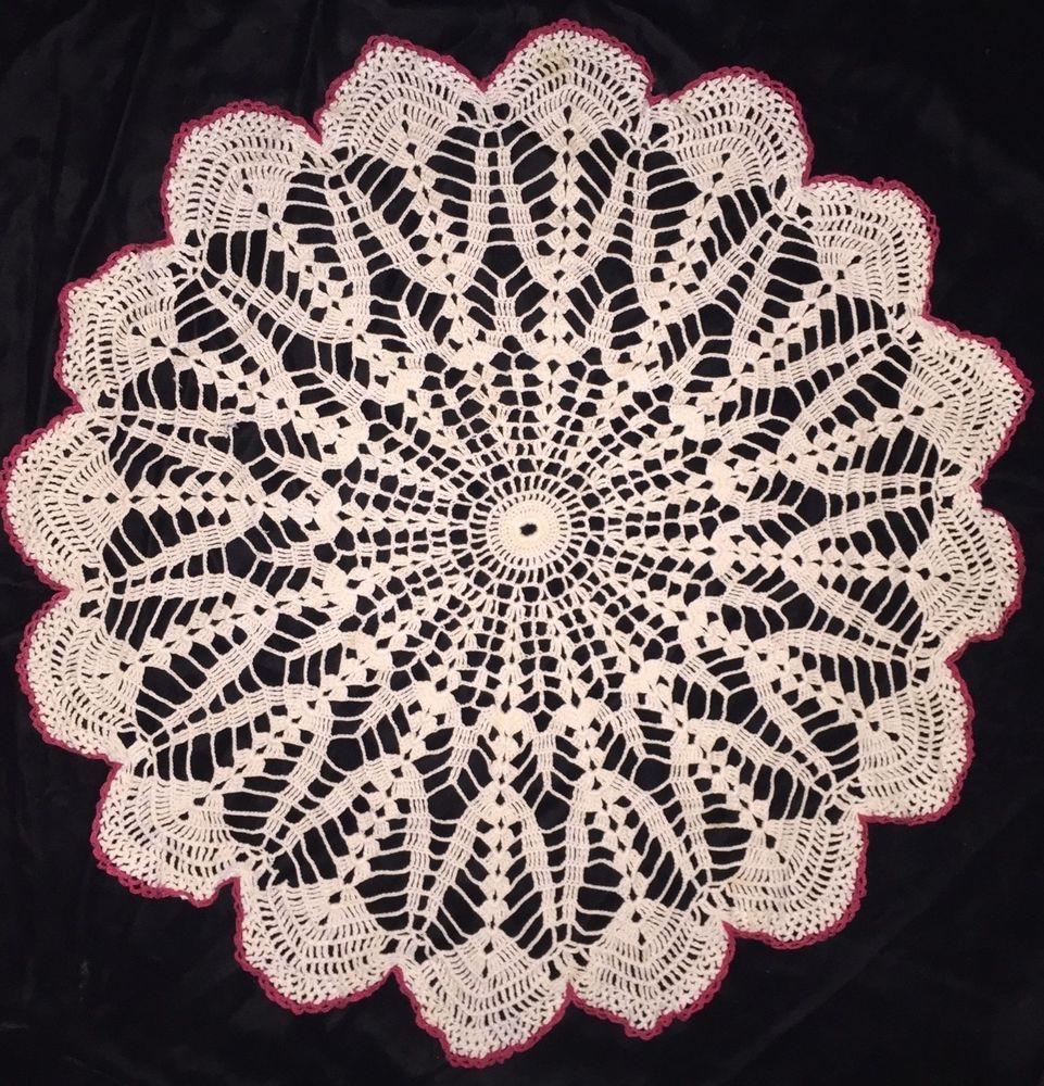Vintage Crocheted Doily Cream Red Scalloped Edge 26\