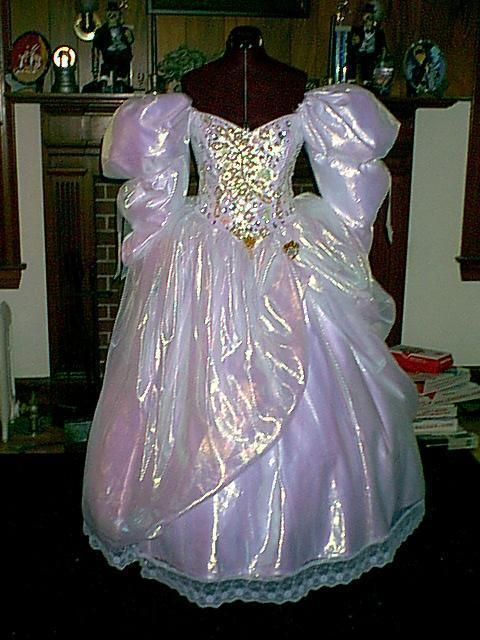 Sarah's gown from Labyrinth by ~The-Dark-Horse on ... Labyrinth Movie Sarah Dress