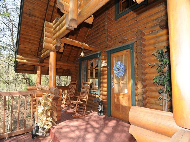 A Hunka Hunka Burning Love 1 Br Relax In The Hot Tub In A Very Private Setting On The Enclose Smoky Mountain Cabin Rentals Pigeon Forge Cabin Rentals Cabin
