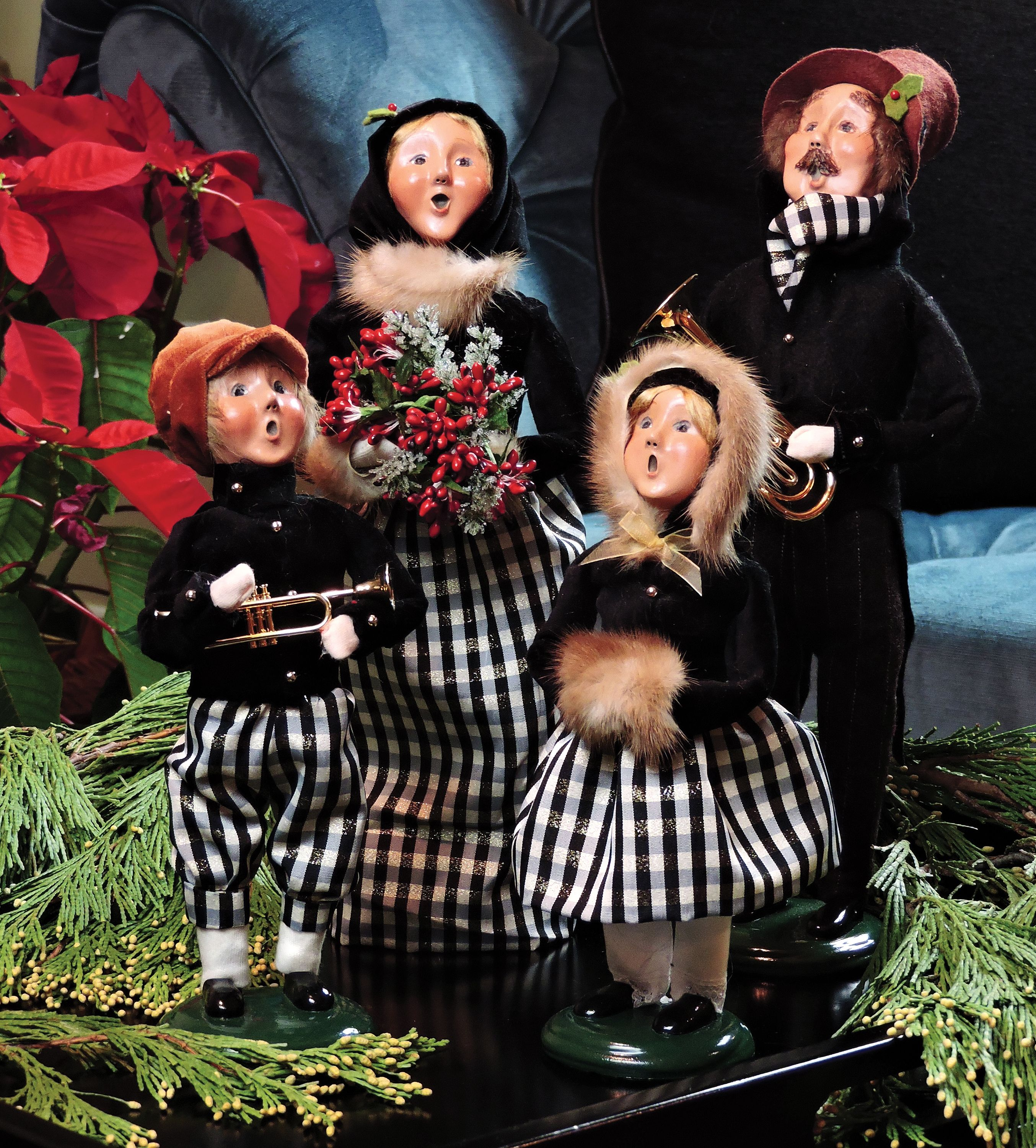 Vintage Wooden Christmas Carolers Set Of 3 Victorian: Byers' Choice Carolers — Black/Gold Family