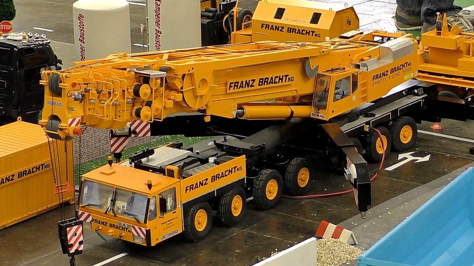 Incredible Remote Controlled LEGO Model Liebherr LTM 1750 ... |Radio Controlled Cranes