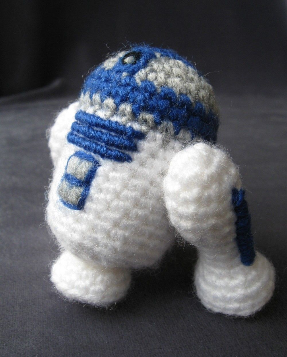 Crochet R2 D2 Star Wars Mini Amigurumi Pattern Yarn Crafts