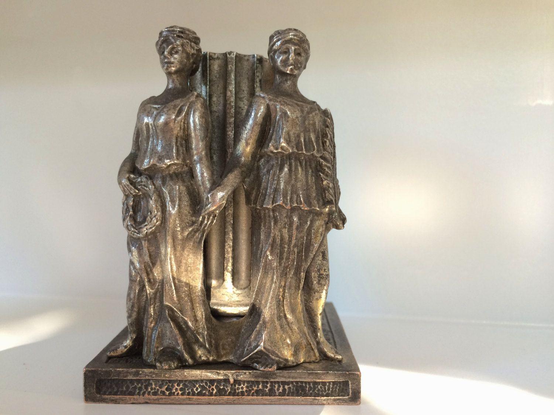 Antique Greek Silvered STATUES PEN JAR Pot Grecque Iron Vintage de la boutique FELIXsoFRENCH sur Etsy