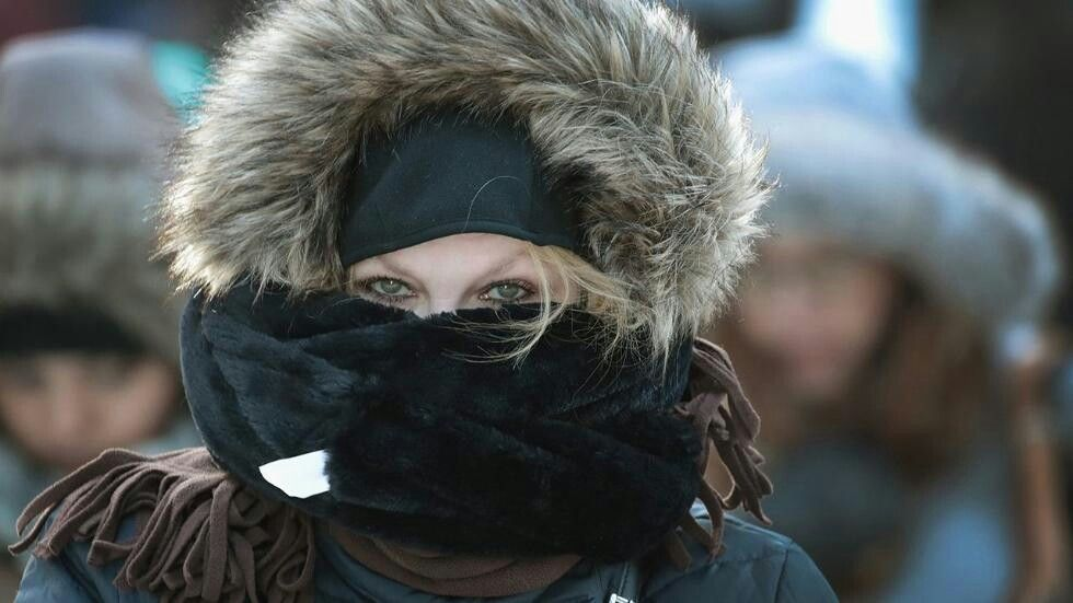 Commuters brave subzero temperatures as they make their