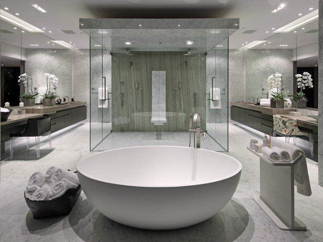 17 Glamorous Dream Bathrooms That Will Leave You Breathless Luxury Master Bathrooms White Master Bathroom Modern Master Bathroom