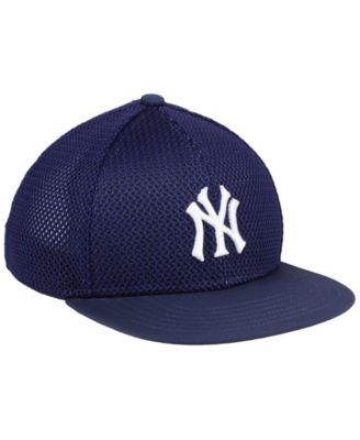 3bc4bf093110c Under Armour Boys  New York Yankees Twist Cap - Blue Adjustable ...