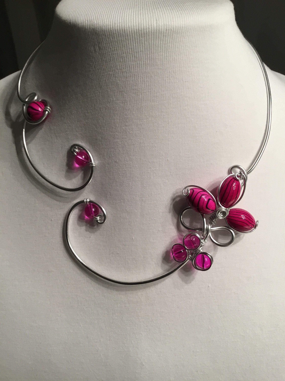 Fuschia Pink Wedding Jewelry Open Front Necklace Fuchsia Flower Necklace Fuchsia Pink Bridesmaid Necklace Fuchsia Pink Prom Necklace En 2020 Bijoux Modernes Bijoux