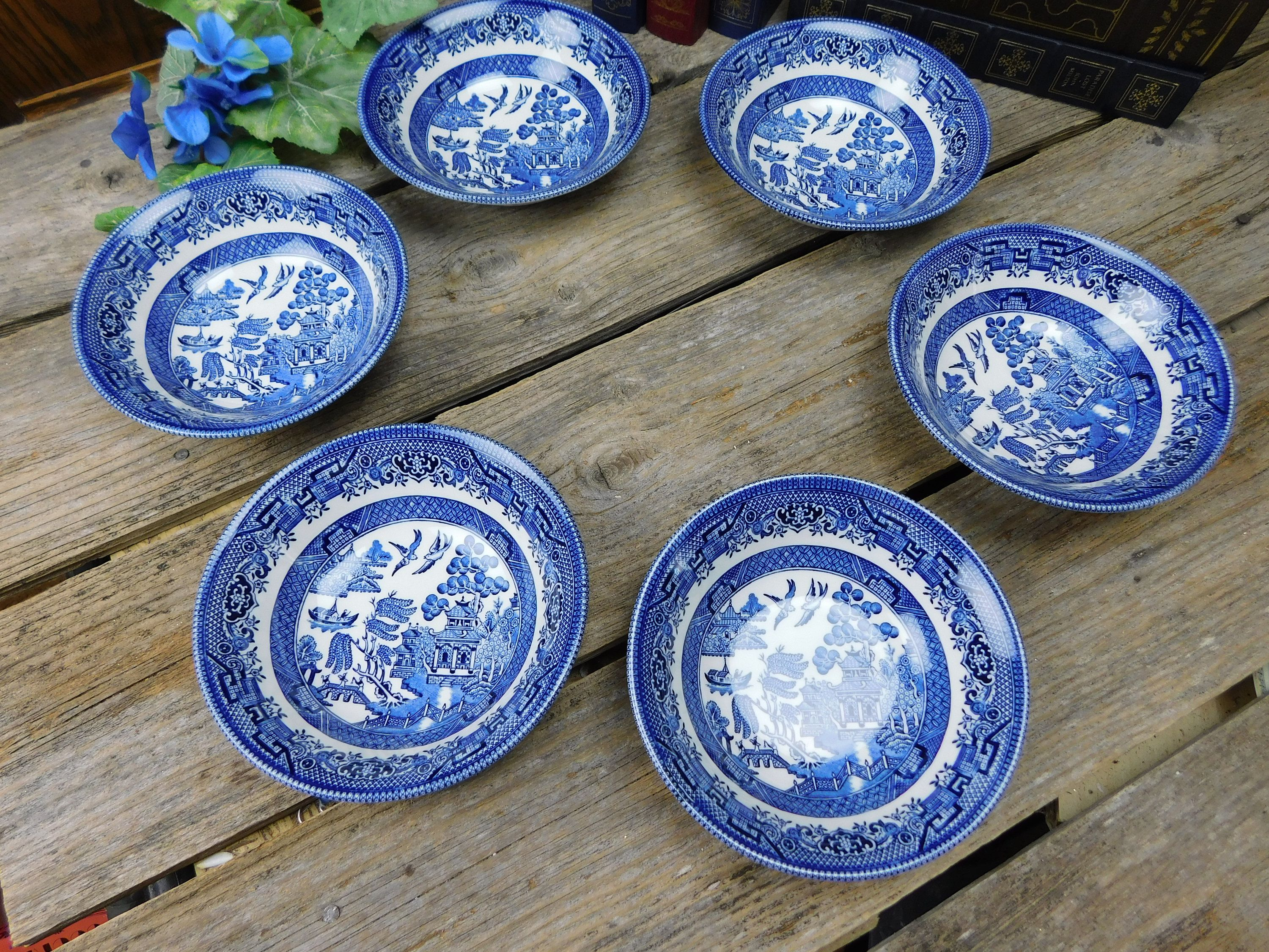 Set Of 6 Vintage Churchill Blue Willow Coupe Cereal Bowls By Allthatsvintage56 On Etsy Blue Willow Willow Pattern White Bowls