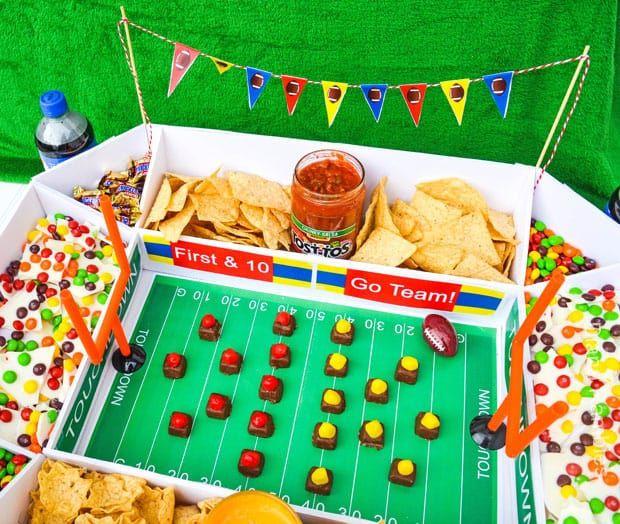 DIY Game Day Football Snack Stadium with Free Printables #gamedayfood