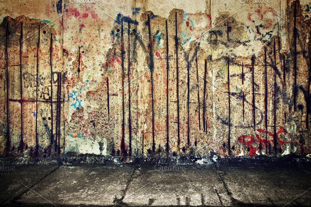 Grunge Concrete Wall With Grafitti In 2020 Graffiti Wall Graffiti Graphic Design Photoshop