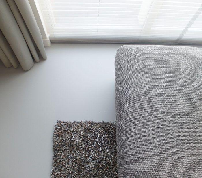 Gietvloer woonkamer Tilburg interieur foto materialen natuurtinten ...