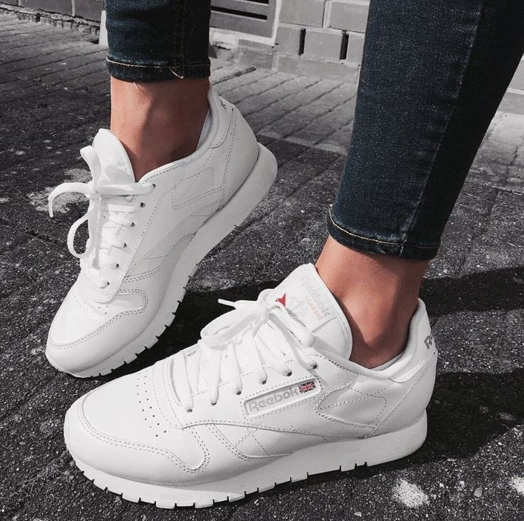 Reebok Classic In Weiss Weiss Foto Isabellebenzsecret Instagram White Shoes Sneakers Reebok Classic Womens Sneakers Fashion