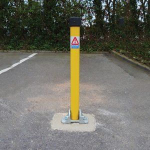 Lockable Folding Parking Posts Workplace Stuff Hinges Simplistic Design Safety Barriers