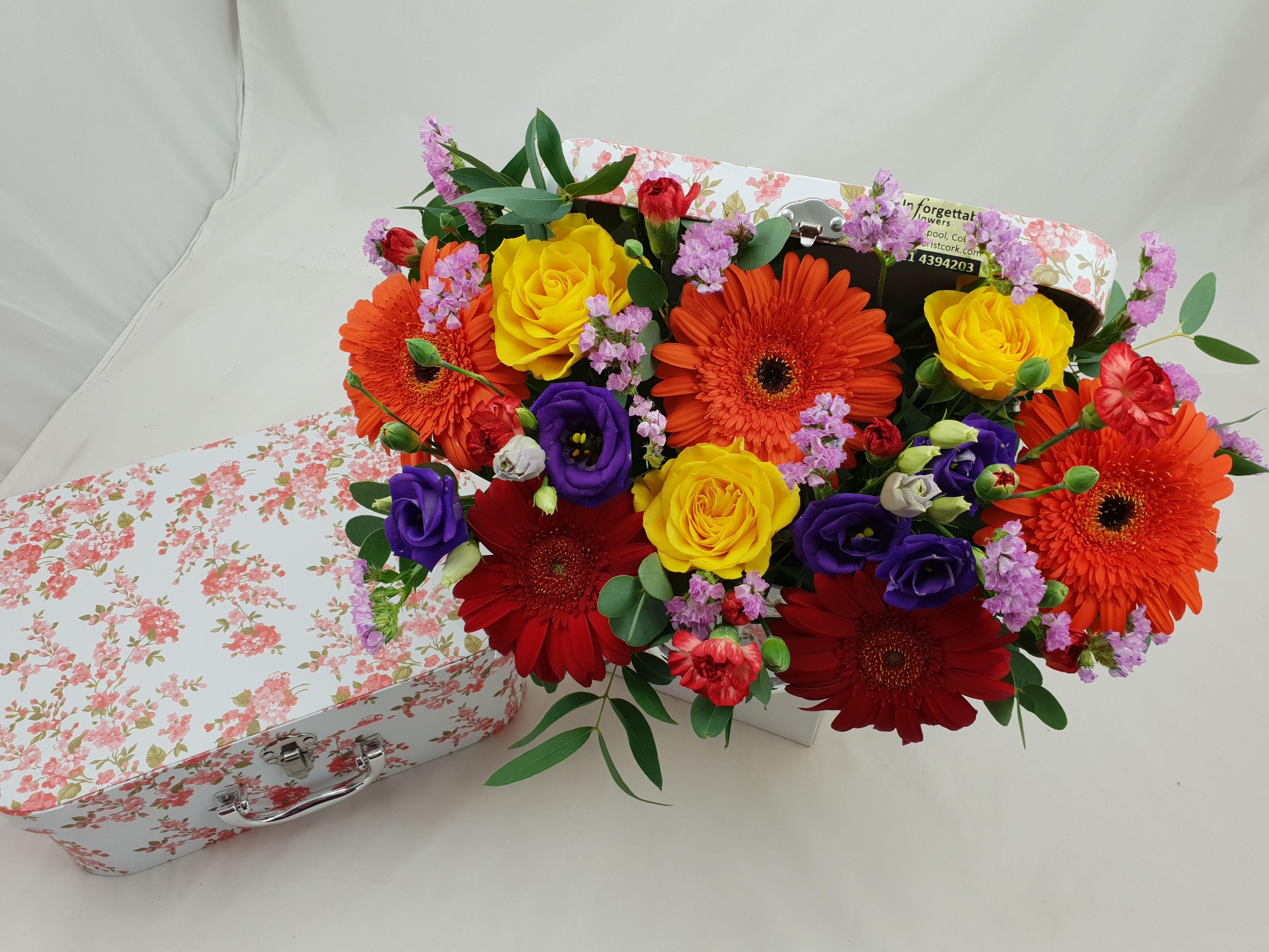 Vintage Flower Suitcase Vintage flowers, Flower delivery