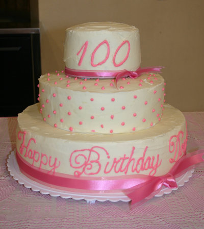 What A Beautiful Th Birthday Cake For Your Favorite Gal For More Th Birthday Ideas
