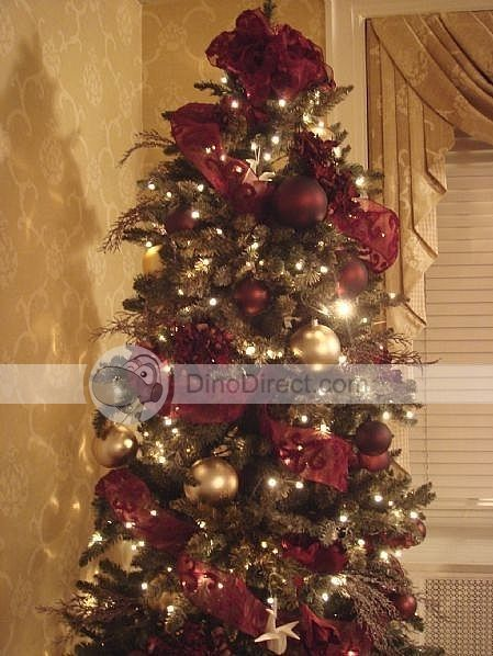 Maroon and Gold christmas tree decorations with paper cranes ...