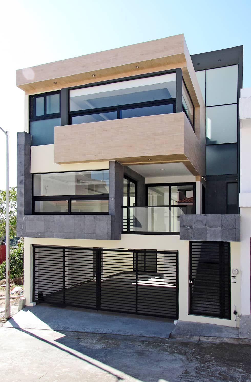 Fachada principal casas de estilo moderno por dream for Disenos de pisos para casas