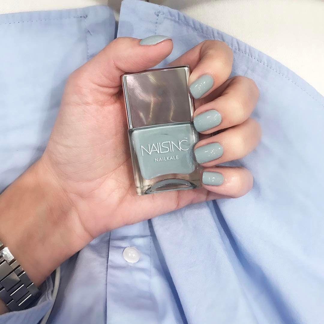 Totally feeling this greyish blue nail colour @nailsinc Palace Gardens - amando essa cor, cinza azulado / azul acinzentado, tipo cor pastel bem clima de primavera, mas com um fundo neutro! Vic Ceridono | Dia de Beauté