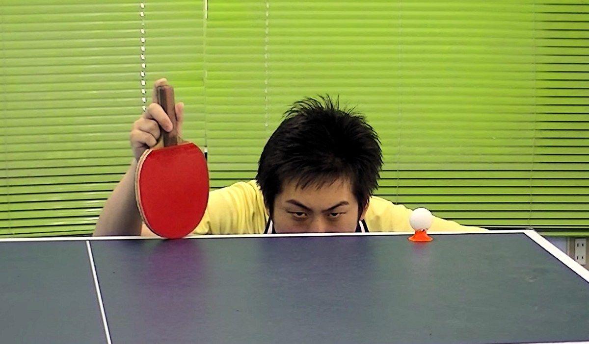 Ping pong carnival : Les tricks impressionnants d'un japonais au ping pong