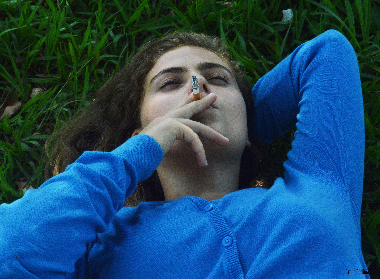 'Azul é a cor mais quente' com Ana Carolina Dal Pupo - Por mim ;)  Trabalho de ateliê de fotografia!