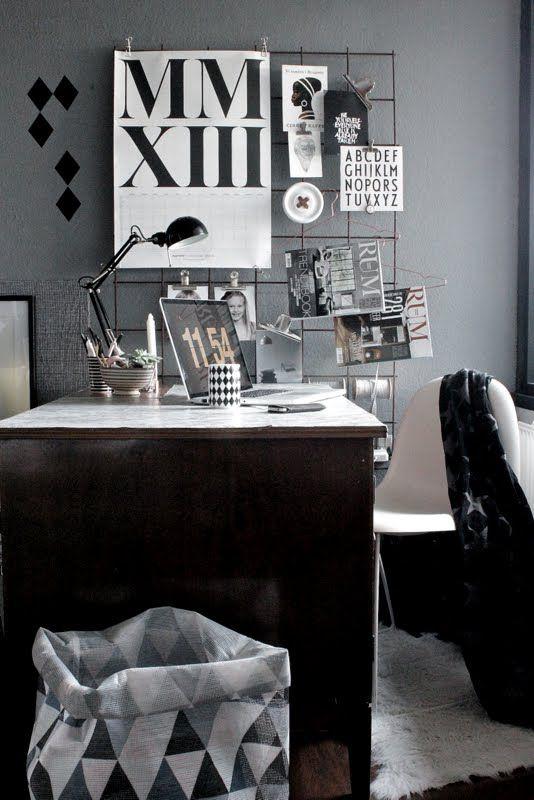 Hallingstad - inspiration til dit hjem: Marmor på skrivebordet  vintage floor lamps,mid-century modern lighting, unique lamps, stilnovo lamps, dining table Lamp, vintage desk lamps, brass sconces