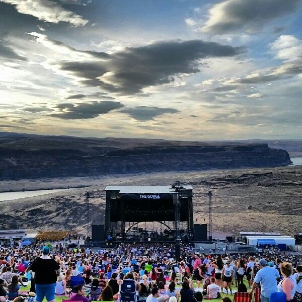 The Gorge Amphitheater Quincy, Washington. Sam Smith August 8th. Photograph Credit- Lucas Schneider IG: @luke_allens