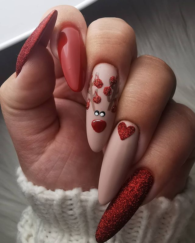 #inspiringcreativity #christmasnailart #christmasnails #mistletoenails #avenircosmetics #gelpolish #naturalnails #nailsbygelpolish #nailartist #nailtech #uknails #nails4today #scratchmagazine #nailporn #nailtraining #nailtutorial #nails #nailart #handdrawnnailart #showscratch #nailpro #nails2inspire #nailsofinstagram #gelnails