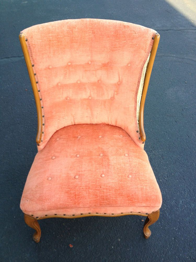 Vintage Chair With Tufted Details, Velvet Fabric Lounge Chair Peach Pink  Color