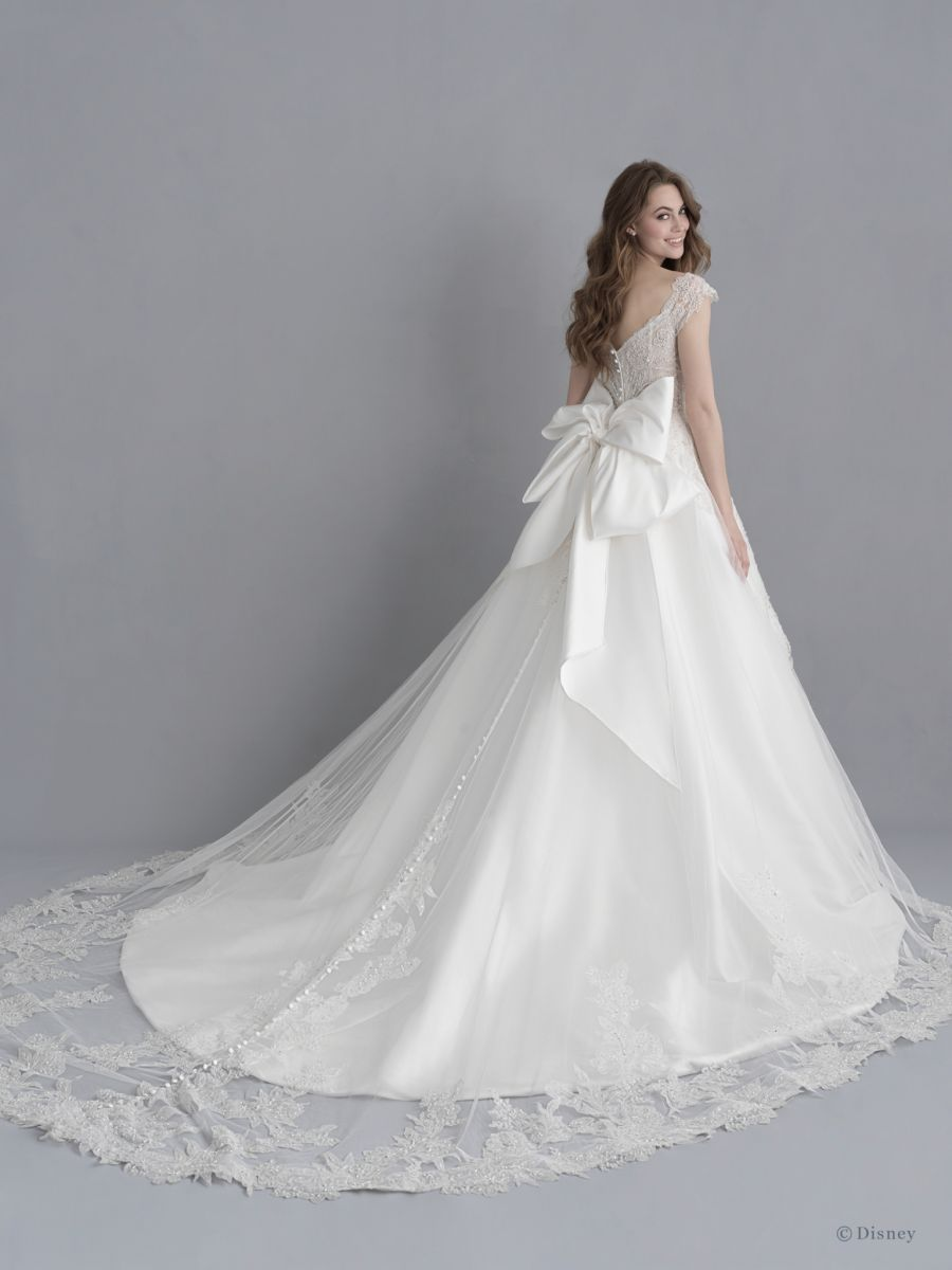 Style Dp255 Snow White Allure Bridals Snow White Wedding Dress Disney Wedding Dresses Ball Gowns Wedding [ 1200 x 900 Pixel ]