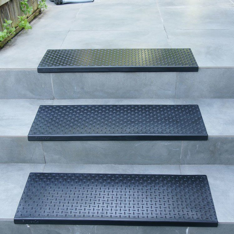 Best Diamond Plate Step Non Slip Rubber Stair Tread In 2020 400 x 300