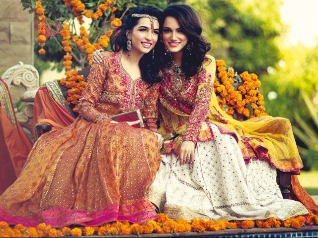 d0fde6a65c Models Sana Ansari and Meera Ansari pictured for Farah Talib's Summer  Spring Collection 2015. PHOTOS: PUBLICITY