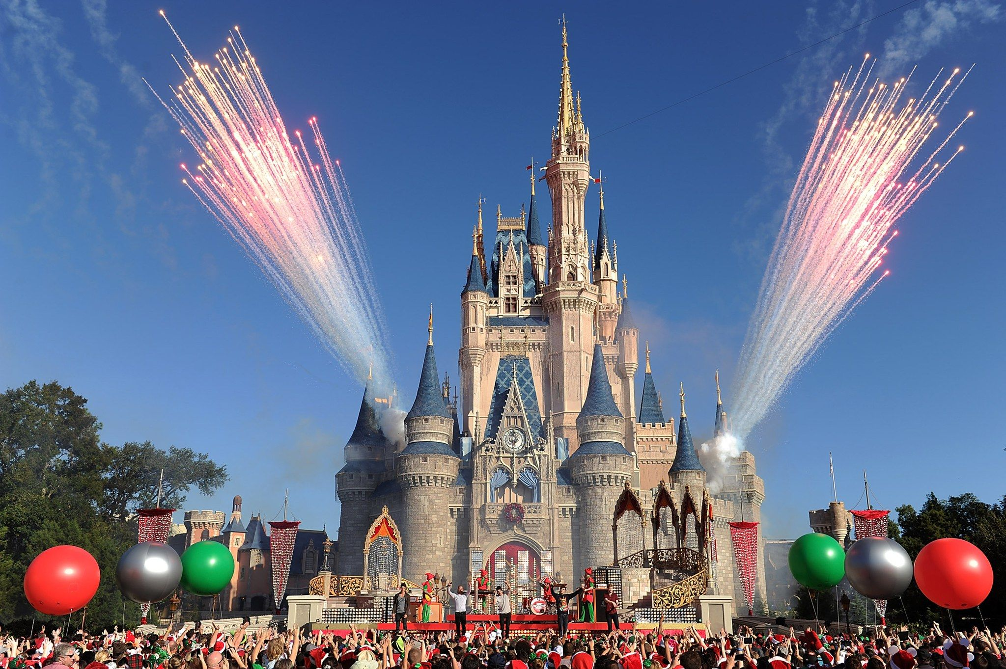 disney will now let you spend the day with an astronaut | 宇宙飛行
