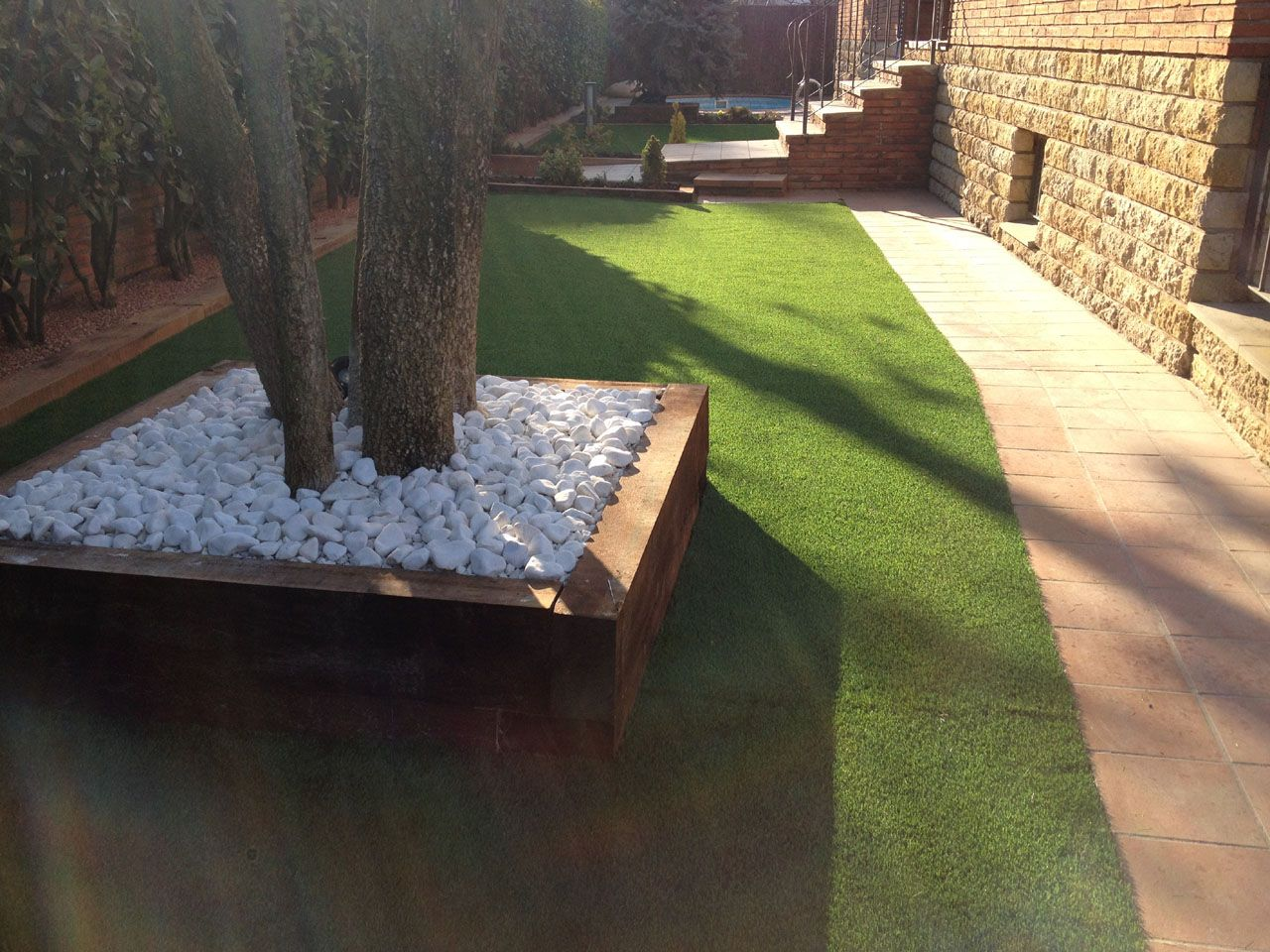 Jard n de hierba artificial f cil de cuidar caja para for Arreglo del jardin
