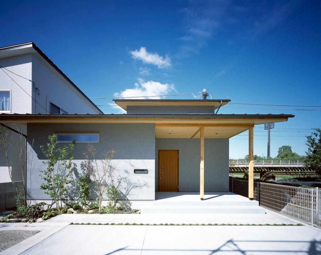 市坪の家 西下太一建築設計室 吹抜けによる上下の繋がり リビング