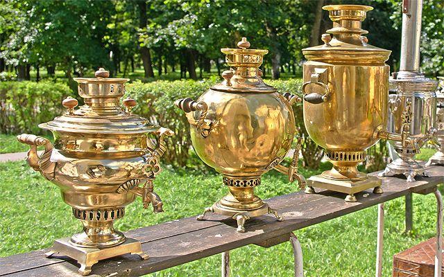 Samovars Tea pot generally is put on top to keep hot.