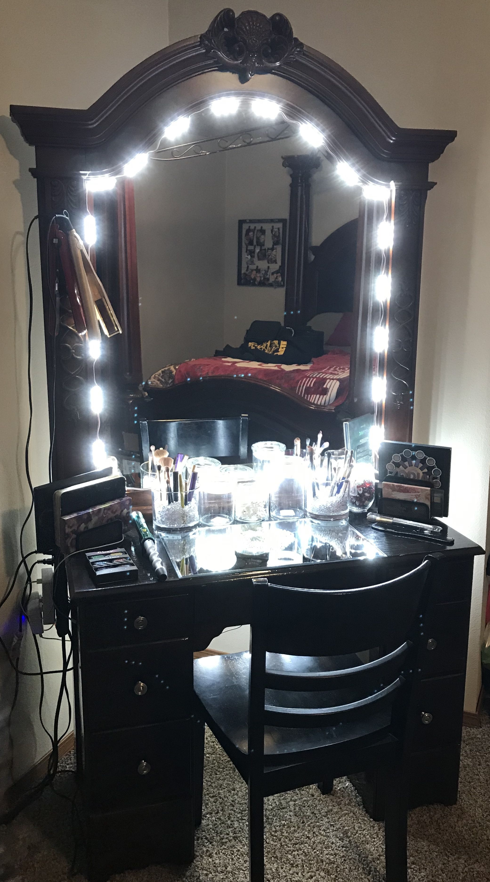 My Boyfriend Refinished An Old Desk He Bought Off Of Craigslist And Make This Amazing Vanity For Me For My Birthday He Did An Absolutely In 2020 Vanity Old Desks Home