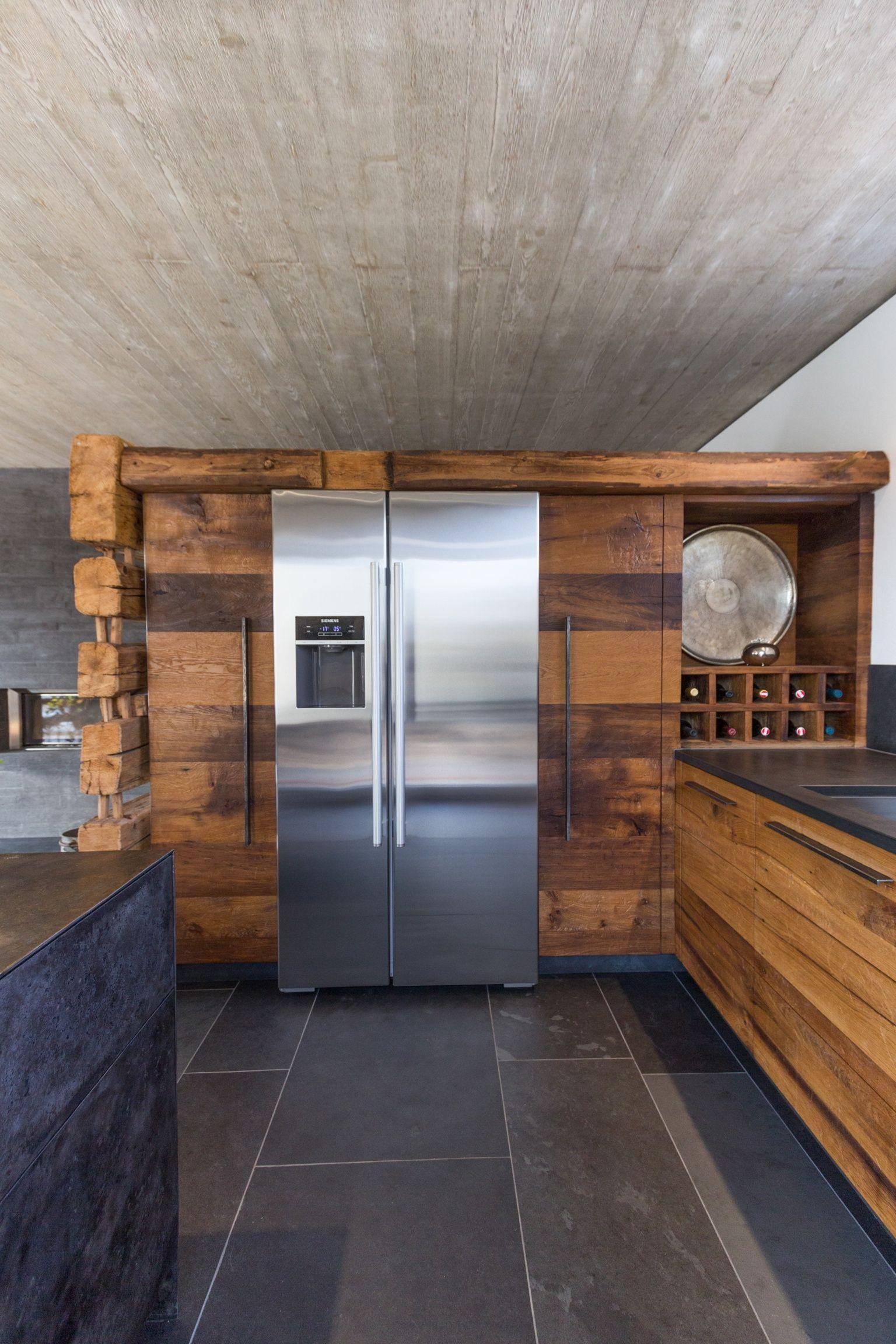 Wohnküche in antiker Eiche Küchen rustikal, Altholz