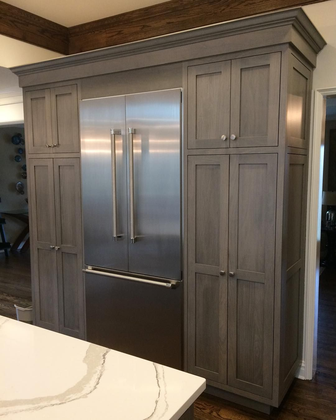 Lovely Light Grey Stained American Poplar Wood Cabinetry