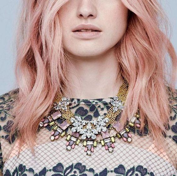 coloration tendance rose gold hair pinterest seventeen. Black Bedroom Furniture Sets. Home Design Ideas